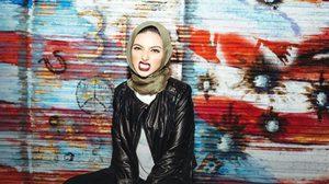นูร์ ตะกออูรี ผู้หญิงมุสลิมคนแรก ที่ได้ลงนิตยสารเพลย์บอย สวมผ้าคลุมฮิญาบ