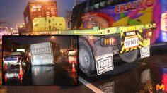 ฝนตกถนนลื่น! ตู้คอนเทนเนอร์ ร่วงกลางถนน เกิดอุบัติเหตุจำนวนมาก