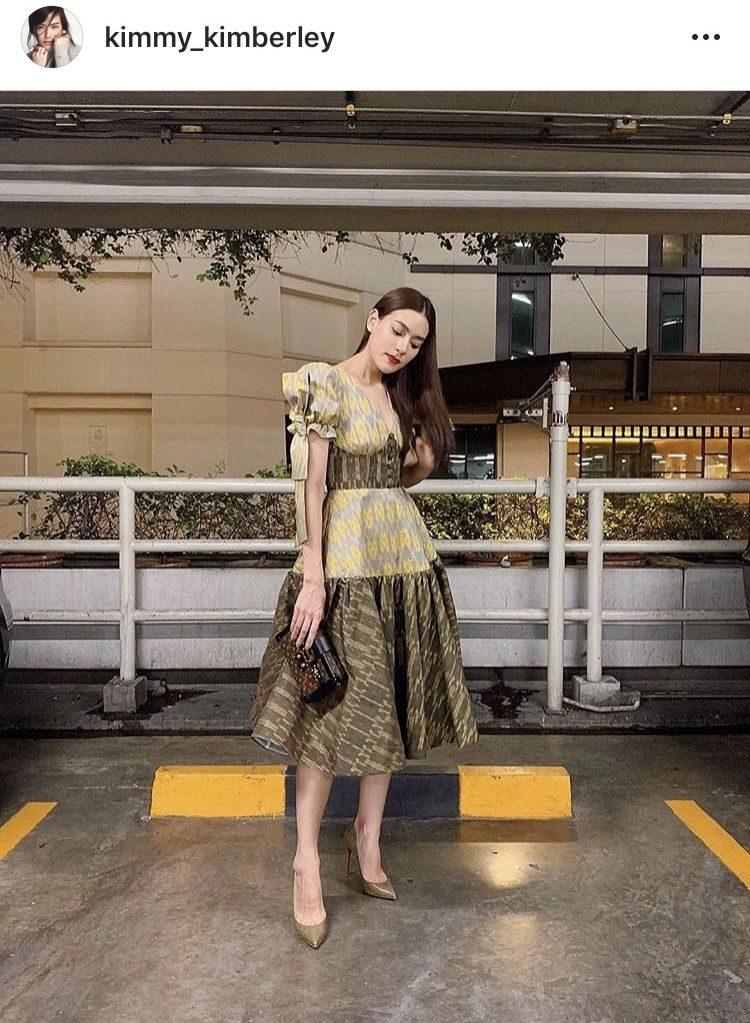คิม คิมเบอร์ลี่ ลุคนี้กับชุดผ้าไทยสวยปังมาก