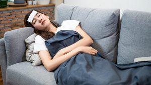 วิธีบรรเทาอาการ ไข้สูงหลังฉีดวัคซีนโควิด19 ด้วยตัวเองที่บ้าน