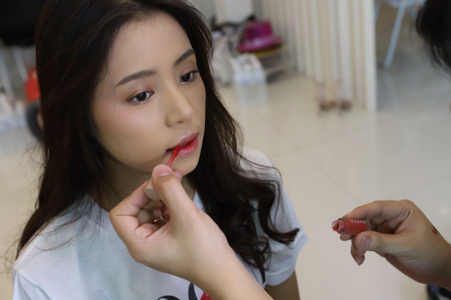 วงพริกไทย ร่วมกับ Naree Lip ออก MV หนังสั้นเพลง อย่าให้รัก