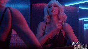 ฆ่าไม่เลี้ยง!! MI6 ส่ง ชาร์ลิซ เธอรอน ในลุคผมบลอนด์ โชว์ความโหดขั้นสุดใน Atomic Blonde