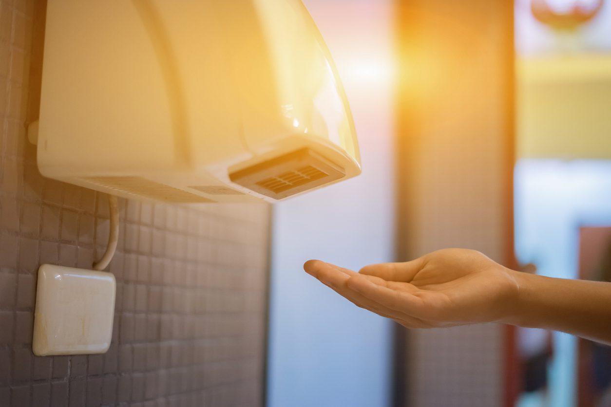 เครื่องเป่ามือลมร้อน ในห้องน้ำ ยิ่งแพร่กระจายเชื้อโรคไปในอากาศ!!