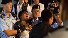 'โจชัว หว่อง' ถูกตำรวจฮ่องกงจับกุม หลังชุมนุมต่อต้านรัฐบาลจีน