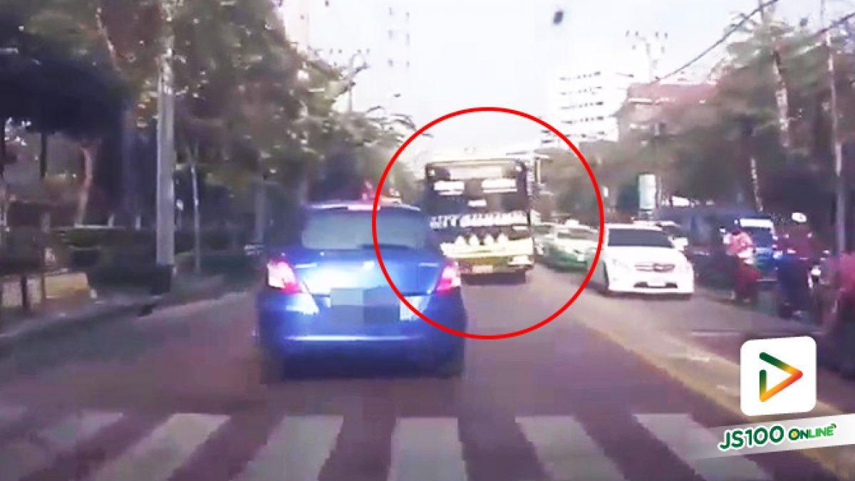 คลิปคนขับรถเมล์เหลืองสาย 75 ขับสวนเลนถนนพุทธบูชา ไม่คำนึงความปลอดภัยของผู้อื่น