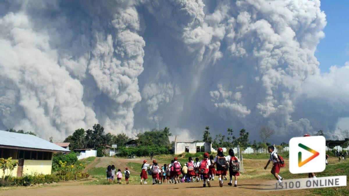 ภูเขาไฟซินาบุง...อินโดนีเซีย..ปะทุน่ากลัวมาก!! (19-02-61)