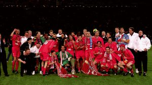 ย้อนอดีต หงส์แดง เฉือน อลาเบส สุดมันส์ 5-4 คว้าแชมป์ ยูฟ่า คัพ 2001