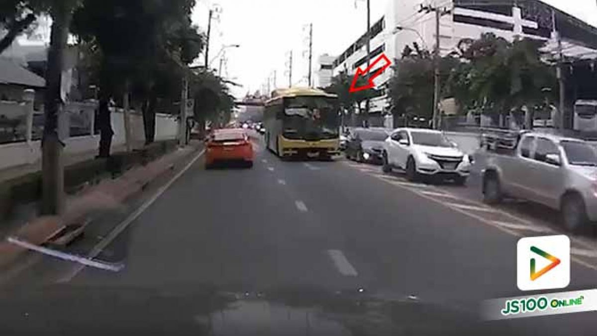 รู้ว่าผิดแต่ก็คิดจะทำ!! รถประจำทางสาย 56 ขับฝ่ารถติด โดยใช้ถนนในเลนสวน (01/10/2019)