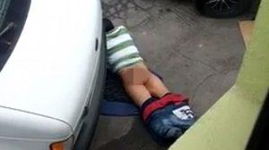 สุดพิลึก แฉคลิปหนุ่มมีเพศสัมพันธ์กับพื้นถนน