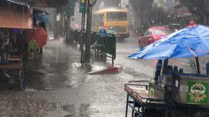 ไทยตอนบนฝนลดลง ภาคใต้และตะวันออก ยังตกหนักบางแห่ง