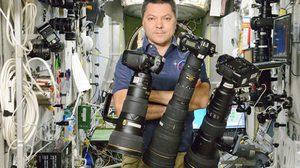 บน สถานีอวกาศนานาชาติ เขาใช้กล้องถ่ายภาพอะไรกัน