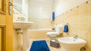 ดับกลิ่นห้องน้ำ ให้หายเกลี้ยงด้วย 3 ตัวช่วยดังนี้