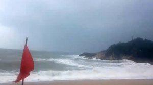 คลิปจากหัวไทร – พะงัน ลมแรง คลื่นสูง หลังพายุปาบึกจะพัดขึ้นฝั่งเย็นนี้