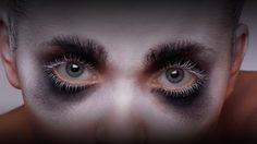 ลาแล้ว 3 พฤติกรรมตาแพนด้า! วิธีแก้ขอบตาดำ ด้วย อาย เซรั่ม จากเบอร์รี่ 7 ชนิด