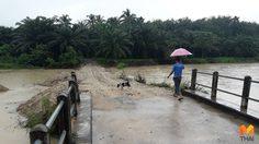 เมืองคอนส่อวิกฤติ!! ฝนตกหนักต่อเนื่อง น้ำทะลักไหลท่วมหลายอำเภอ