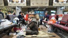 The Terminal…!! คุณลุงชาวจีนใช้ชีวิตอยู่ใน สนามบิน ปักกิ่งมามาแล้วเกือบ 10 ปี