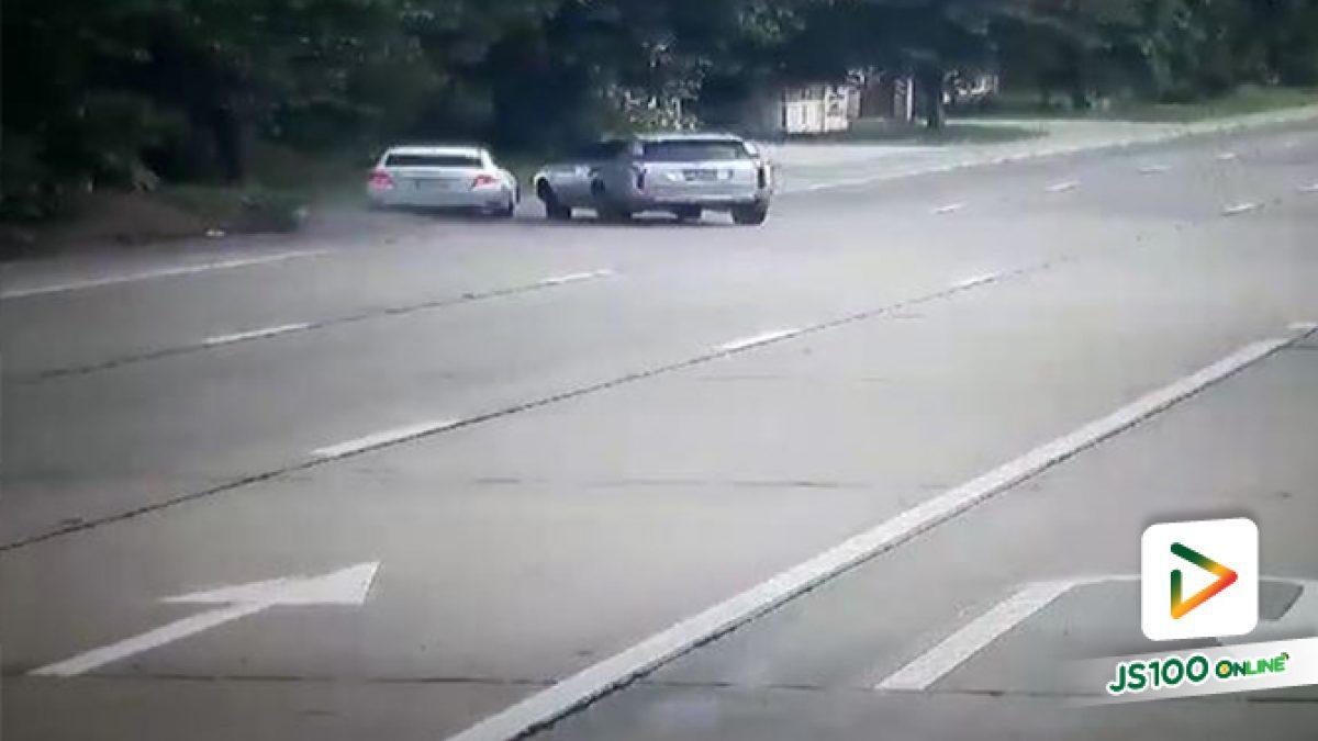 วีออสหักหลบปาเจโร่กลับรถที่ถ.มาลัยแมน พุ่งชนต้นไม้เสียชีวิตทันที 3 คน เจ็บอีก 4 คน