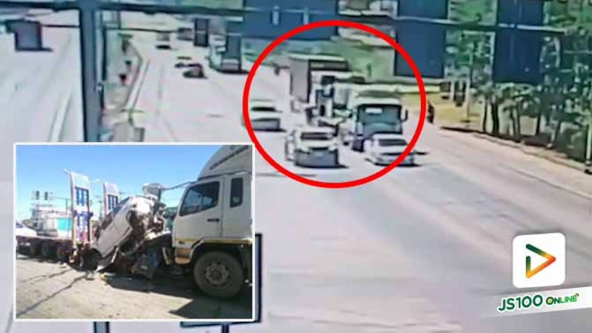 รถบรรทุกเบรคแตกพุ่งชนดะรถจอดติดไฟแดงหลายคัน บาดเจ็บ 2 คน