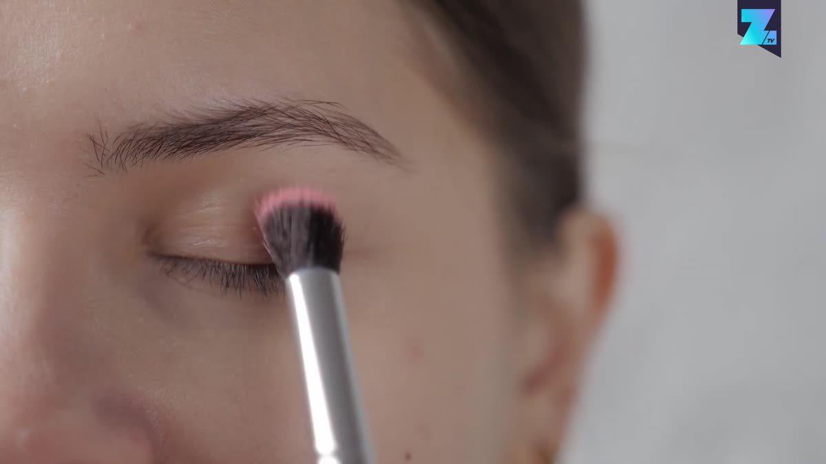 Winter makeup trends: Lip tint hacks