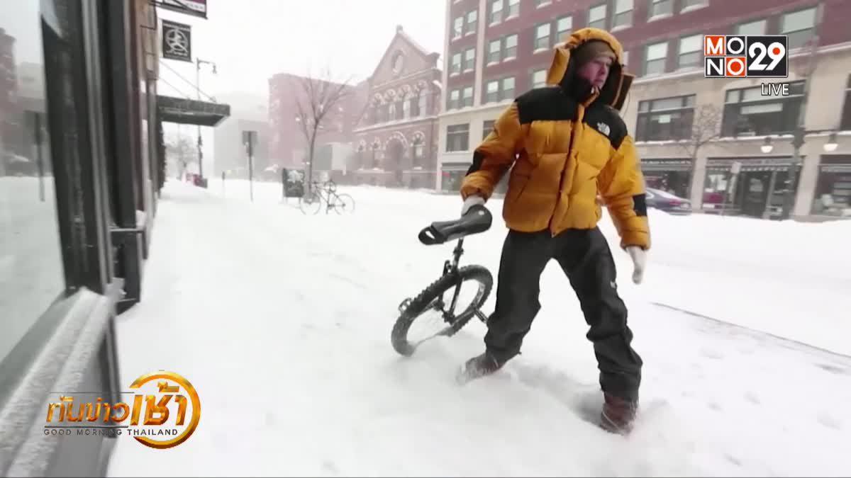 หนุ่มสหรัฐฯ ซิ่งจักรยานล้อเดียวท้าอากาศหนาว