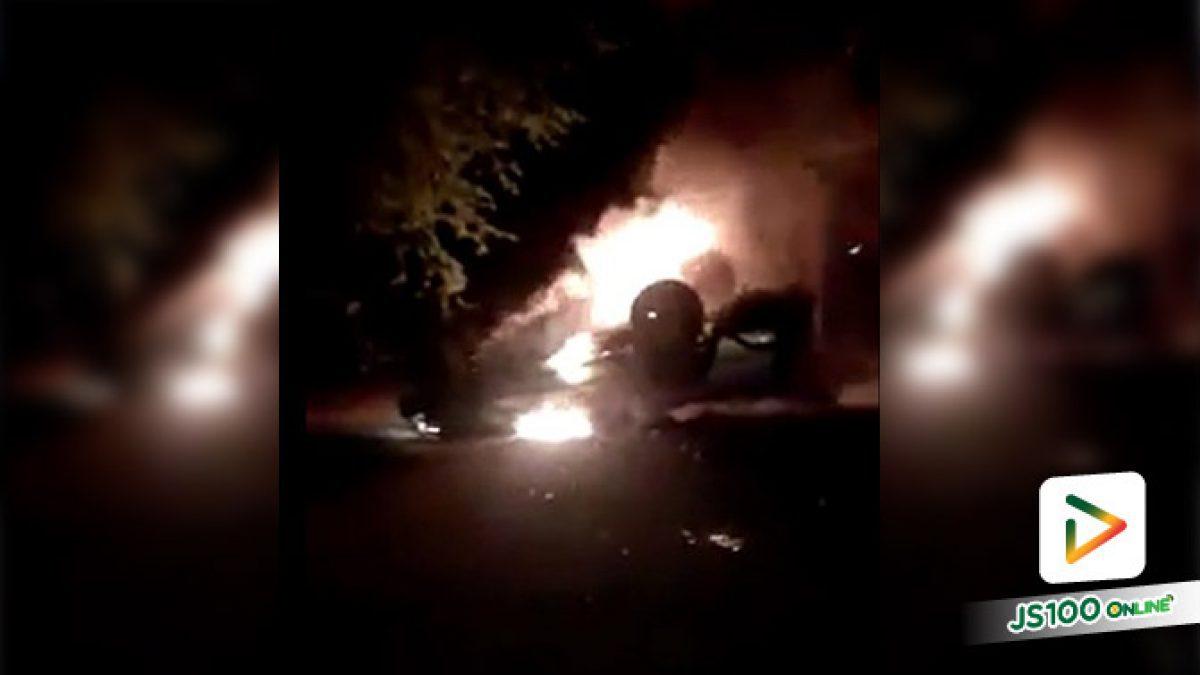 รถยนต์พลิกคว่ำเกิดเพลิงไหม้ เสียหายทั้งคัน ที่หน้าวัดหนองไลย์ อ.หนองไผ่ จ.เพชรบูรณ์ (29/07/2019)