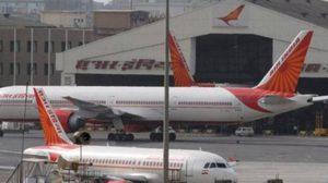 5 สายการบินรายใหญ่ของอินเดีย ห้าม ส.ส.ขึ้นเครื่อง หลังใช้รองเท้าฟาดหน้าพนักงาน