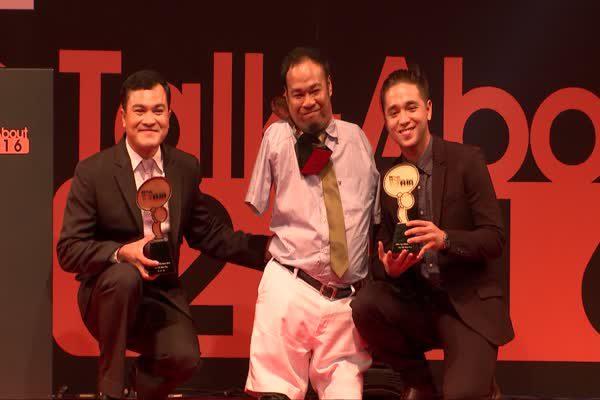 มนุษย์เพนกวิน - ฮีโร่ 4 ล้อ - อแล็กซ์ เรนเดล  ได้รับรางวัล MThai Top talk-about Guy 2016