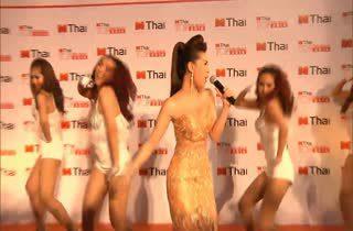 [HD] Live Show : หญิงลี MThai Top Talk 2014
