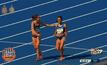 """สองนักวิ่งโชว์ """"สปิริต"""" มีอยู่จริงในโอลิมปิกเกมส์"""