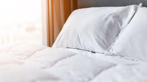 เทคนิคง่ายๆช่วยขจัดกลิ่นไม่พึงประสงค์บน ที่นอน ให้อยู่หมัด