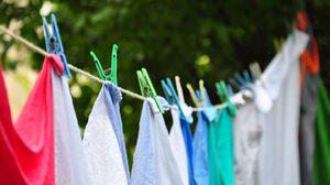 เคล็ดลับซักผ้าที่มีรอยเปื้อน ให้หลุดออกอย่างง่ายโดยไม่ต้องขยี้