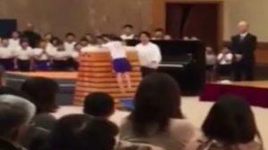 ลุ้นจนน้ำตาซึม! เมื่อเด็กญี่ปุ่น ต้องสอบกระโดดข้ามม้าขวาง 10 ชั้น