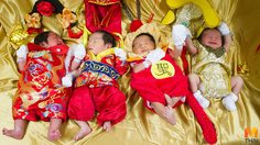 น่ารัก!! จับทารกตัวน้อยแต่งกายต้อนรับวันตรุษจีน-วาเลนไทน์