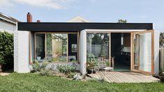 บ้านแนวทรอปิคอล แบบบ้านชั้นเดียว ขนาด 50 ตร.ม. ใช้พื้นที่คุ้ม อยู่สบายใกล้ชิดธรรมชาติ