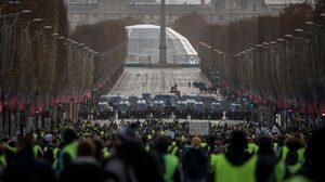 ชัตดาวน์ 'ม็อบเสื้อกั๊กเหลือง' ฝรั่งเศสรวบผู้ชุมนุมกว่า 1,700 คน