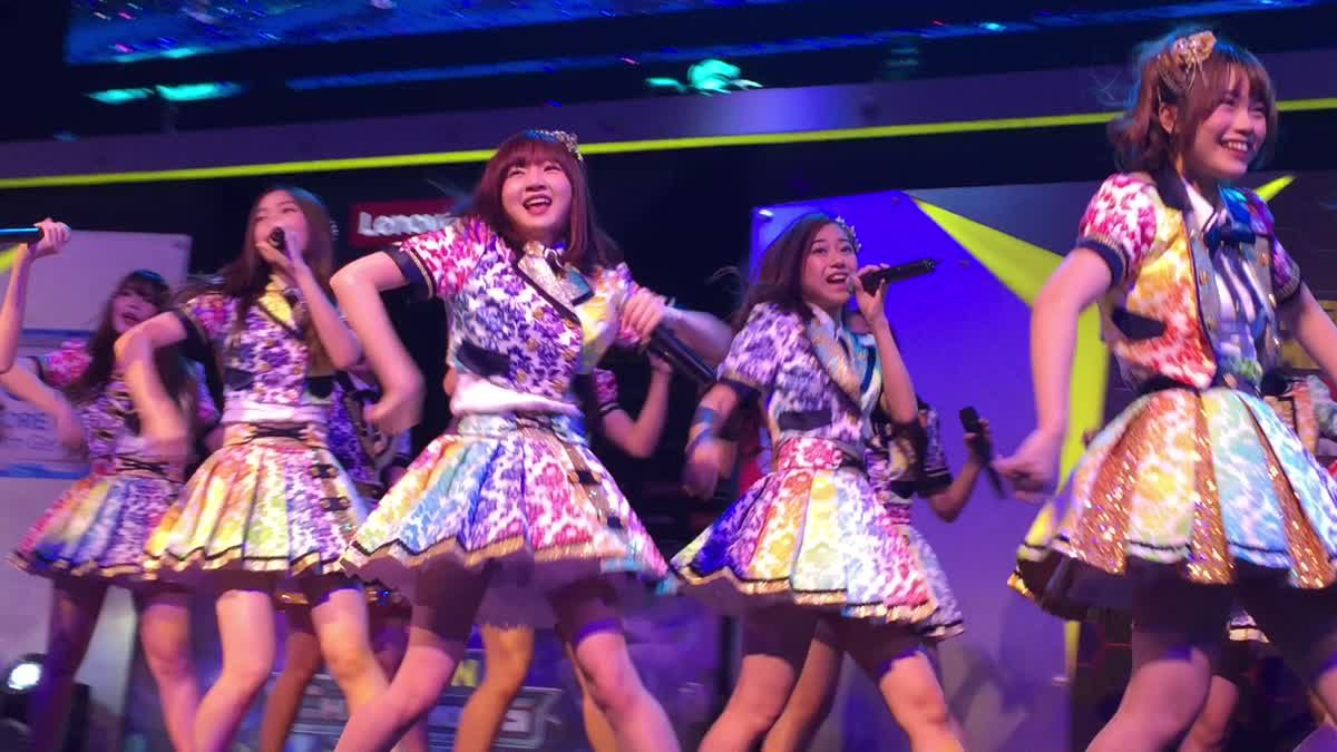 Bnk48 กับเพลง koisuru fortune cookie จากงาน Legion of Legend