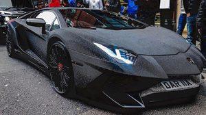 คนมันรวย…ช่วยไม่ได้!! สาวรัสเซียเอาซูเปอร์คาร์ Lamborghini ไปประดับคริสตัลกว่า 2 ล้านเม็ด