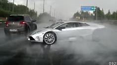 Lamborghini Murcielago หมุนเคว้งมากกว่า 360 องศา