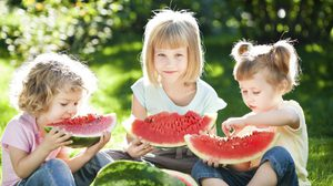 10 เหตุผลที่ ลูกคนกลาง มักจะแข็งแกร่งที่สุดในบ้าน
