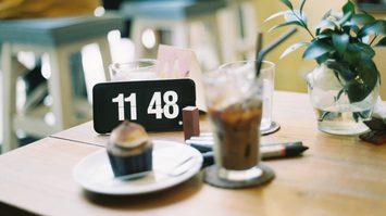 ลดน้ำหนักสูตรฮิต Intermittent Fasting คืออะไร ลดได้จริงมั้ย? คำแนะนำสำหรับผู้เริ่มต้น