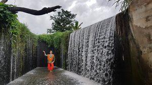 กระโจนสู่สายน้ำเย็นที่ 'ฝายกั้นน้ำปางสวรรค์' ที่เที่ยวใหม่ จ.อุทัยธานี