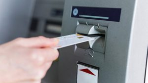 สินเชื่อเงินสด VS บัตรกดเงินสด อันไหนเหมาะกับใครมากที่สุด?