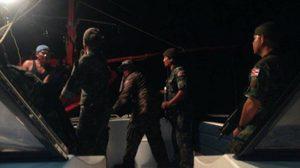 ระทึก! ทัพเรือเข้าช่วยประมงไทย ถูกปล้นกลางทะเลหลีเป๊ะ