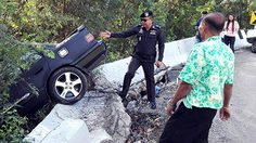 ประชาชนแห่เที่ยวภูทับเบิกแน่น รถติดตามคาด! พบอุบัติเหตุรถเฉี่ยวชน 4 คัน