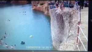 เปิดคลิปสลด ! วินาทีหนุ่มโดดน้ำกระแทกเพื่อนดับ ที่บ่อแกรนด์แคนยอน