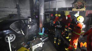 เพลิงไหม้ร้านรับติดตั้งแก๊สรถยนต์ ลูกจ้างได้รับบาดเจ็บ1ราย