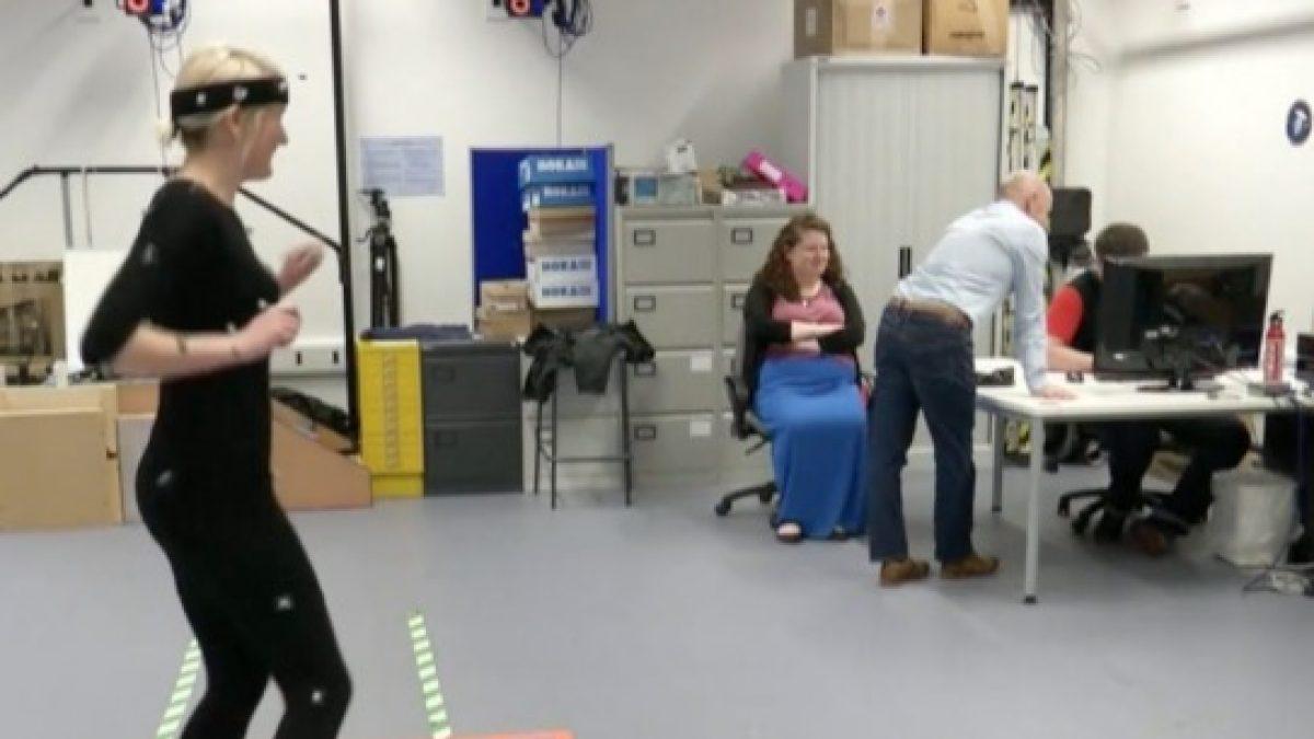 นักวิจัยพบท่าเต้นที่เซ็กซี่ที่สุดของผู้หญิง
