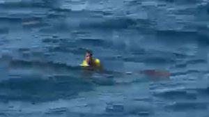 อย่างอึด!  ลูกเรือประมงรอดปาฏิหาริย์ หลังลอยคอ กลางทะเล 10 ชม.