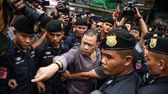 'พ.ต.ท.สันธนะ' บุกปะทะคารมตำรวจ ขณะนำกำลังตรวจค้นตลาดใหม่ดอนเมือง