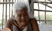 คุณยายอายุ 102 ปี วอนขอทำบัตรประชาชนรับเบี้ยยังชีพ